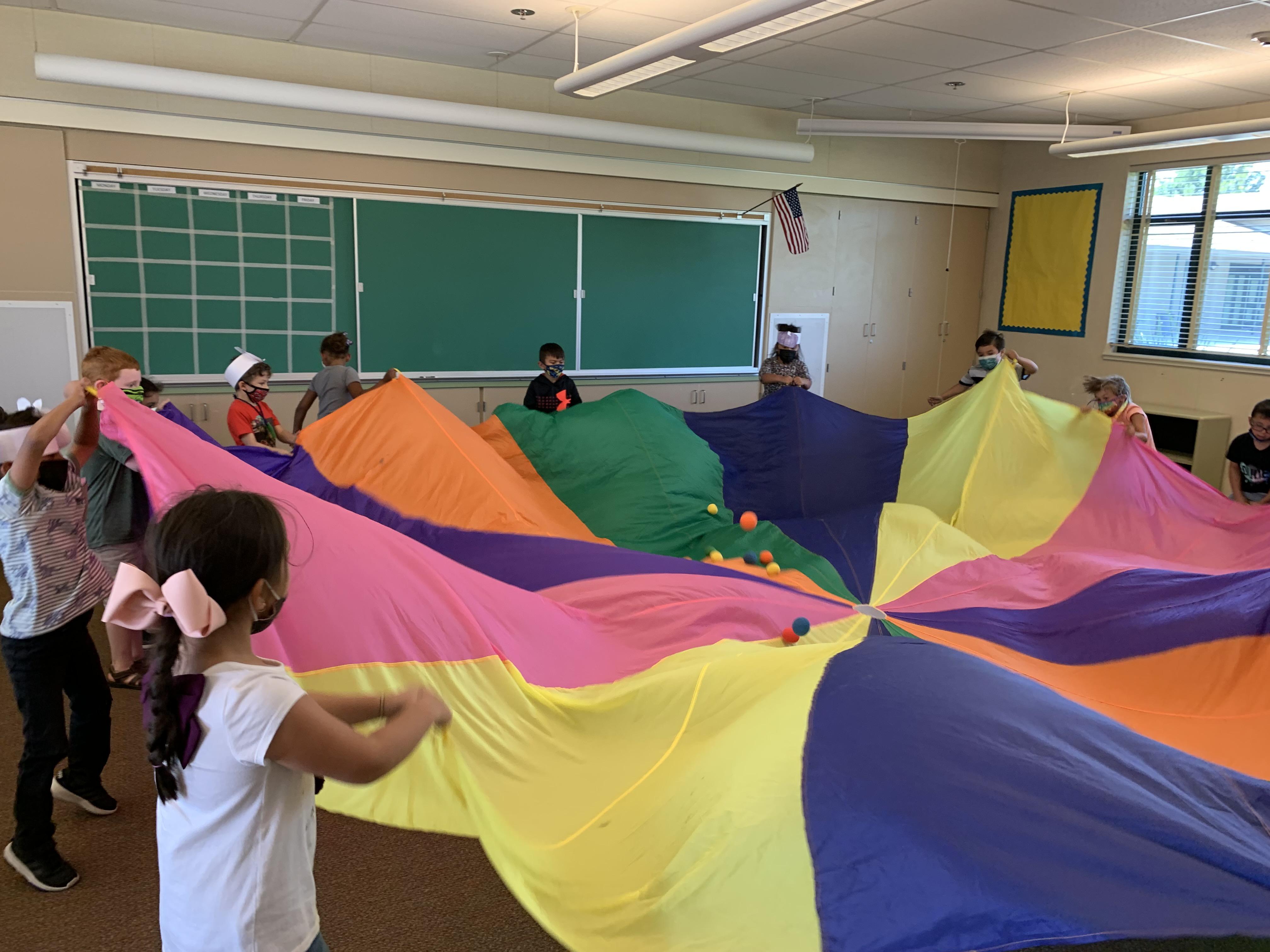 Tk-1st playing parachute